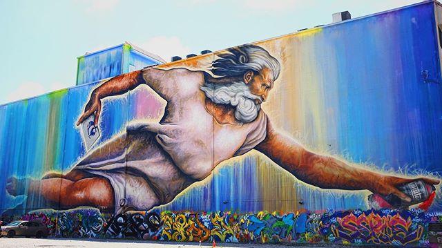 Preservons la Creation  #midtownhouston #artemiaphotography #graffiti #graffitiart #houstondowntown #roadtrip #preservonslacreation #texasphotographer #streetart