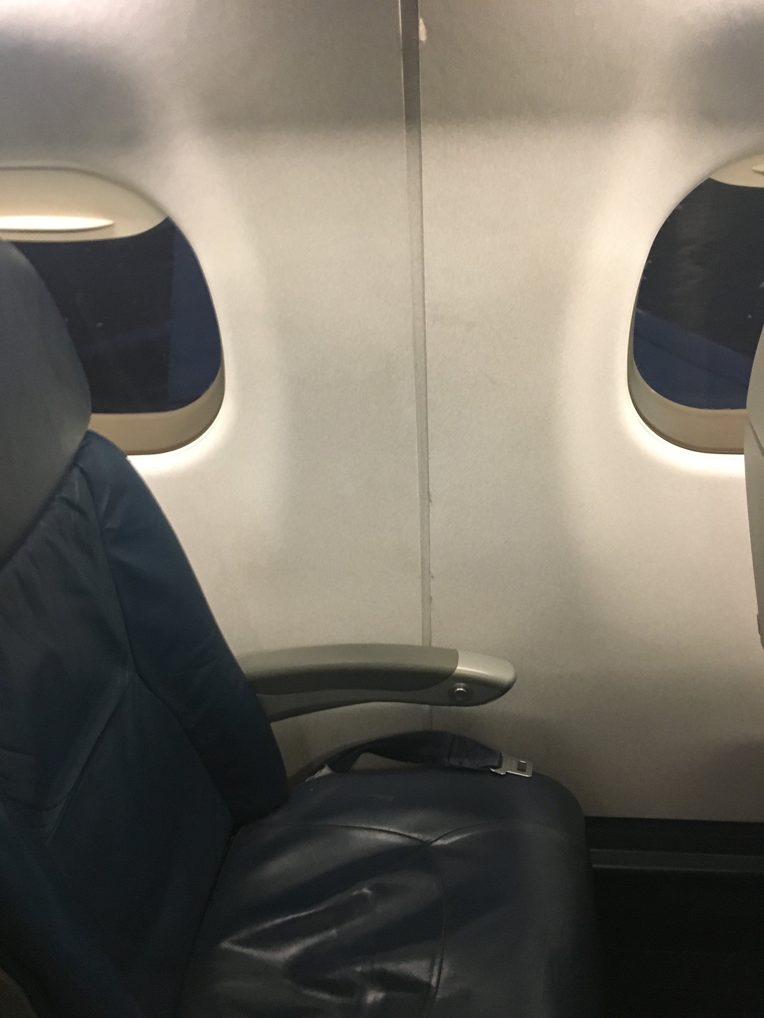 Staggered windows and seats