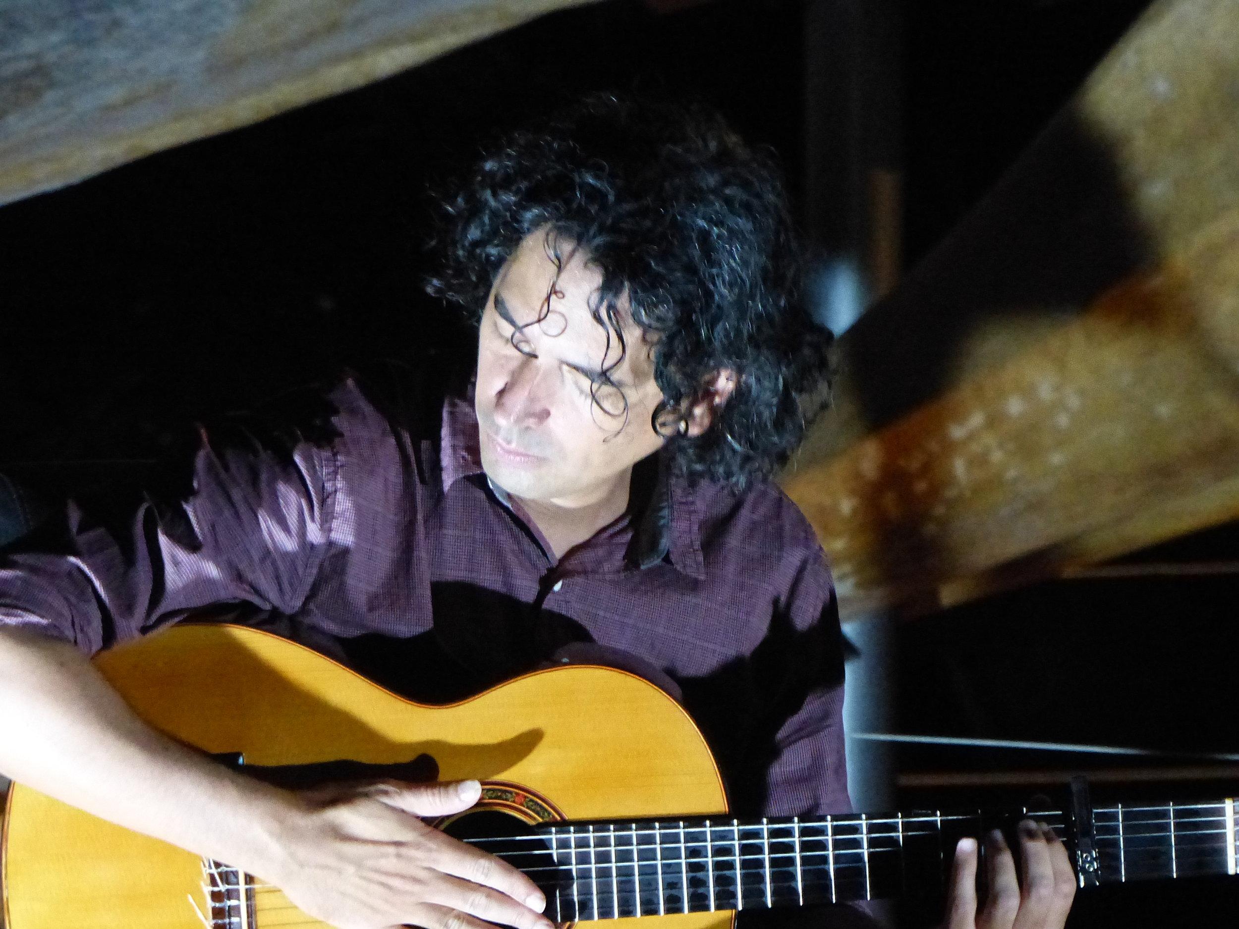Josue Tacoronte Otero -  Classical Guitar vs Flamenco Guitar