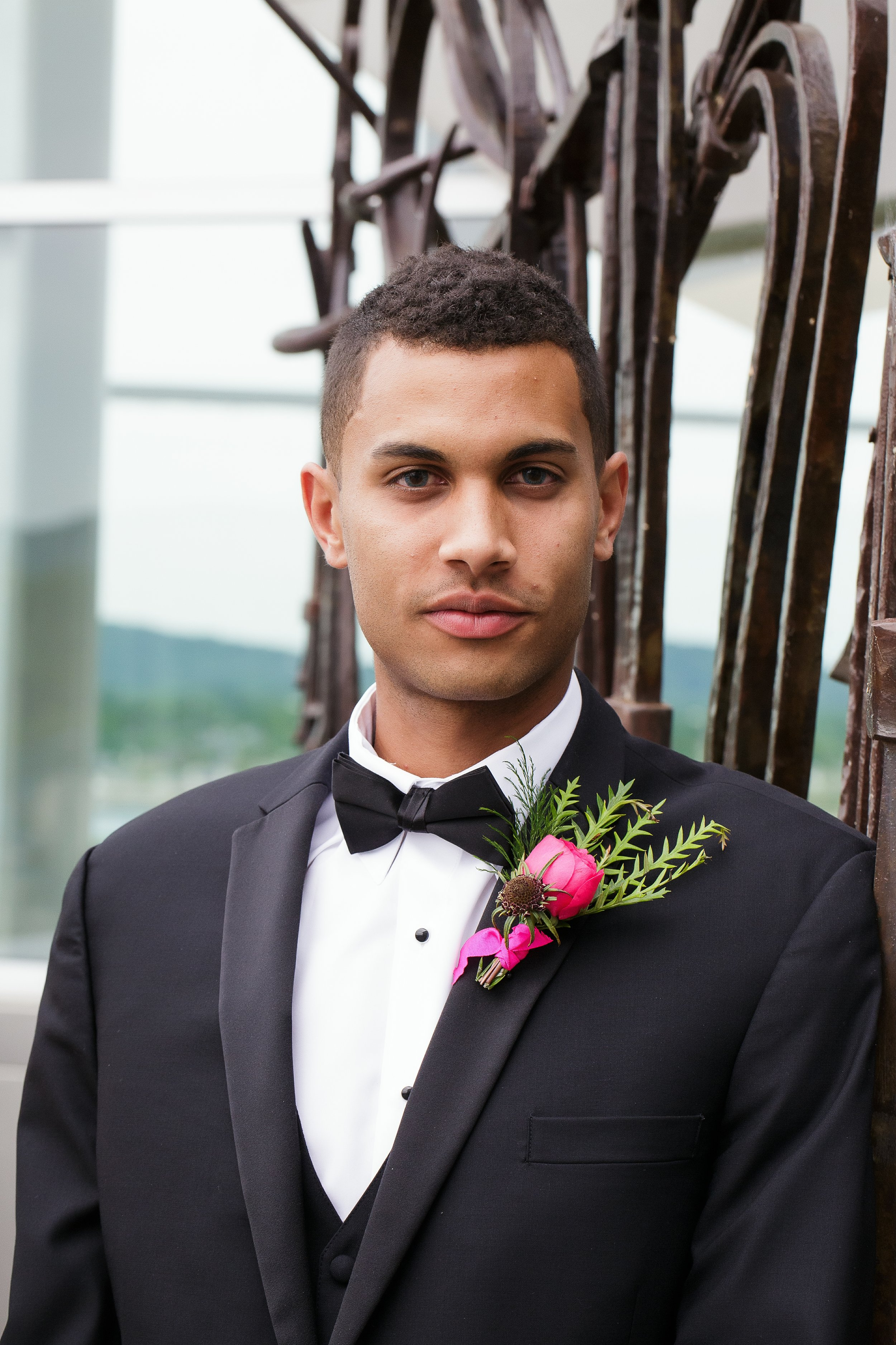 Fox-and-Fern-Groom-Boutonniere-2050-Styled-Shoot.jpg