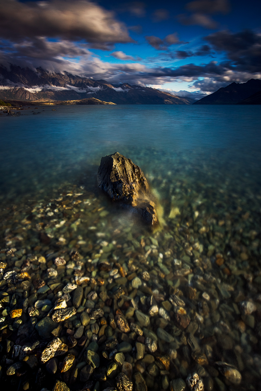 The shore of Lake Wakatipu is not short of subjects