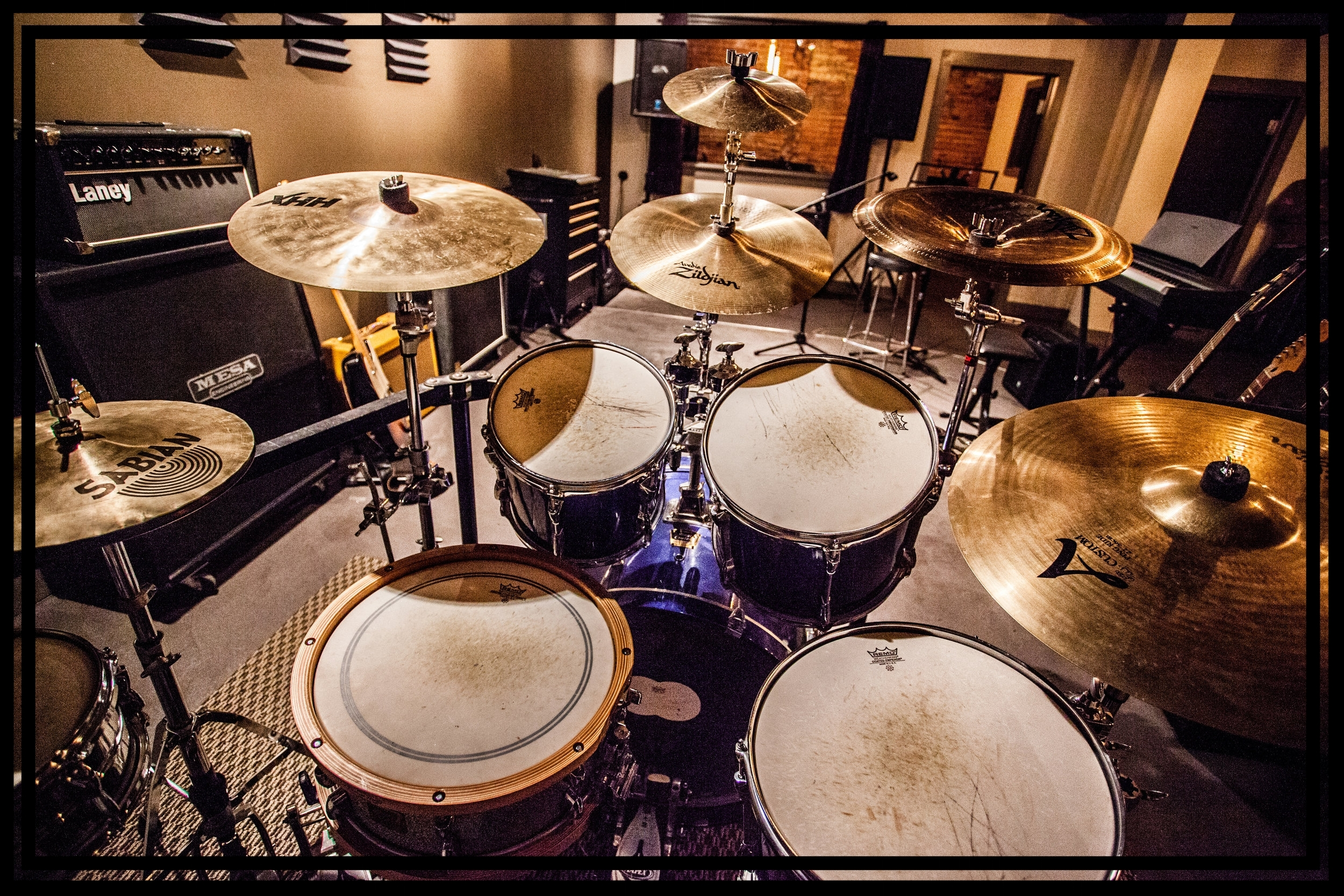 12 piece Yamaha Stage Custom with several snare and cymbal combinations