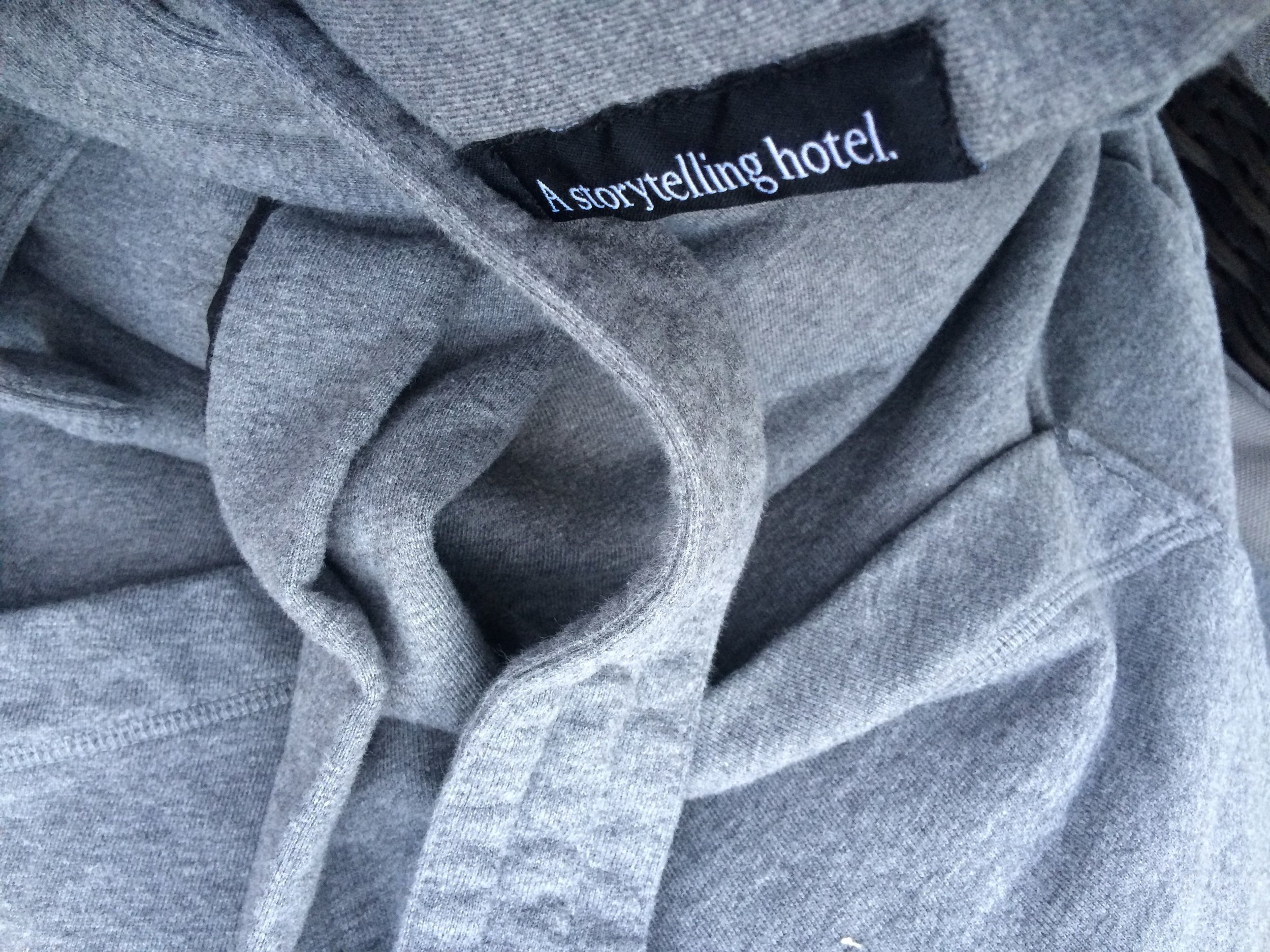 macq01_robe