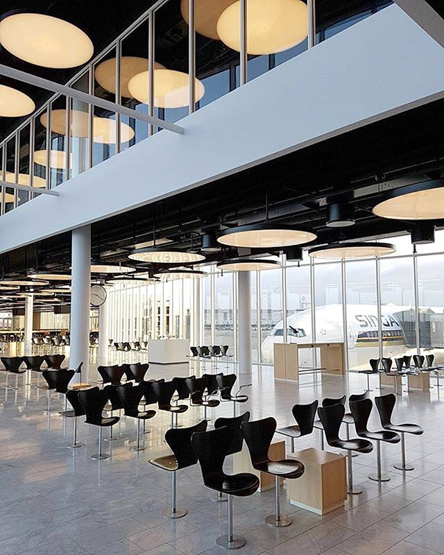"TAKE OFF:: It's airport day today - here's the first of three in our little Insta series. This is the newest part of Pier C at Copenhagen Airport. Designed by Schmidt Hammer Lassen Architects, the wing was opened in 2015 to make room for the @airbus a380. In their own words, ""The 6,300 m2 expansion houses three new gates and lounges. It offers a new interpretation of the existing airport design, innovation of passenger flow and logistics, where the principle of 'nudging' has played an important role."" More on Instastories! 📷 @a_olsen86⠀ .⠀ .⠀ .⠀ .⠀ .⠀ .⠀ .⠀ #airportdesign #designtravel #travel @airport #cphairport #denmark #airportdesign #architecture #airportarchitecture #architecturelovers #architecturegram #architectureporn #archdaily #archilovers #danskeark #danisharchitecture #shlarchitects #schmidthammerlassen"