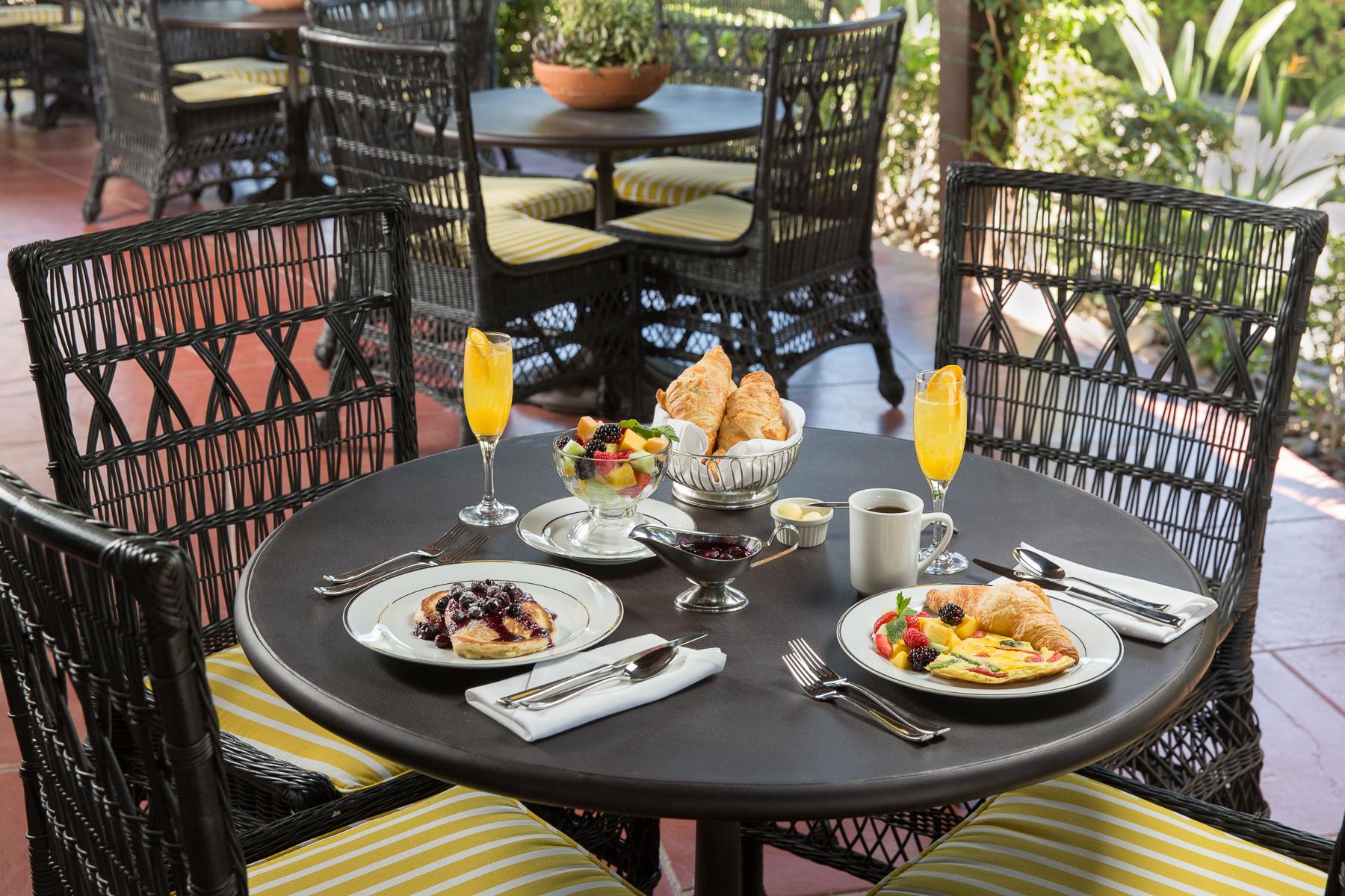 1710-Ingleside Inn Breakfast Horizontal.jpg