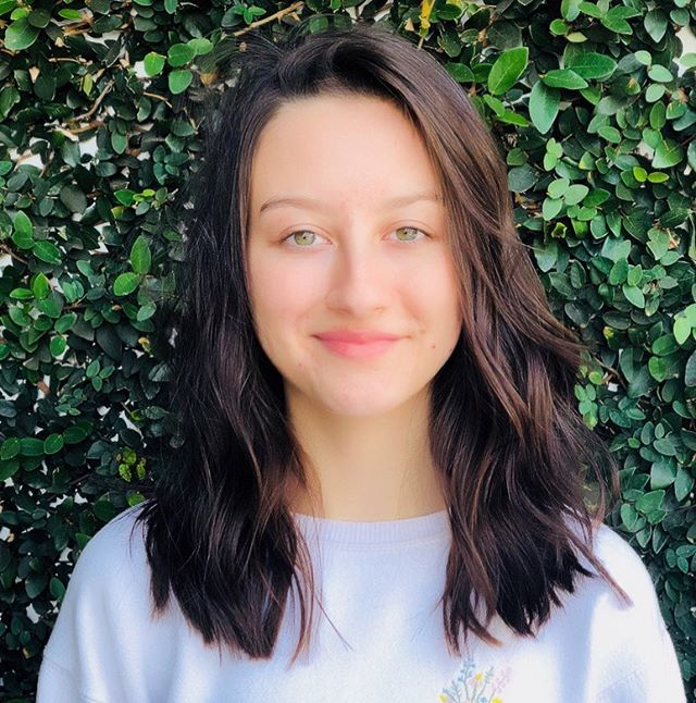 My girl got a hair cut!! Thank you @peloangelo for doing an amazing job!! This is the shortest she's been in such a long time, I love it! 💓🙌🏼🙌🏼🙌🏼 Happy Fry Day everyone!!! Hope you all have a fabulous weekend! . . #newhairdid #hairdo #fryyay #weho #snipsnip #mygirl #newhairdonewyou