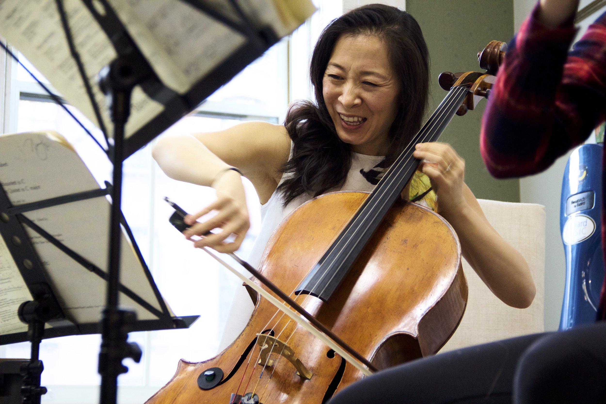 Nina Lee, Cellist