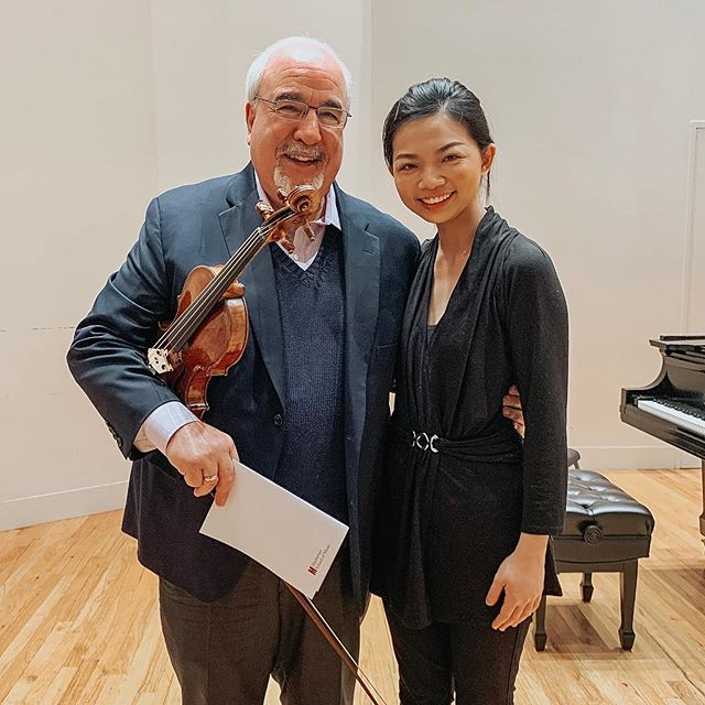So happy to play in Mr. Dicterow's masterclass today at the Manhattan School of Music! 🥰🎻🎶 Thank you for all your inspirations!  #manhattan #manhattanschoolofmusic #masterclass #violin #newyorkphil #concertmaster