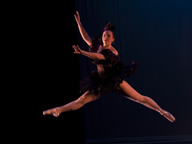 Wizard-of-Oz-2012-113-alex-crow-jump.jpg