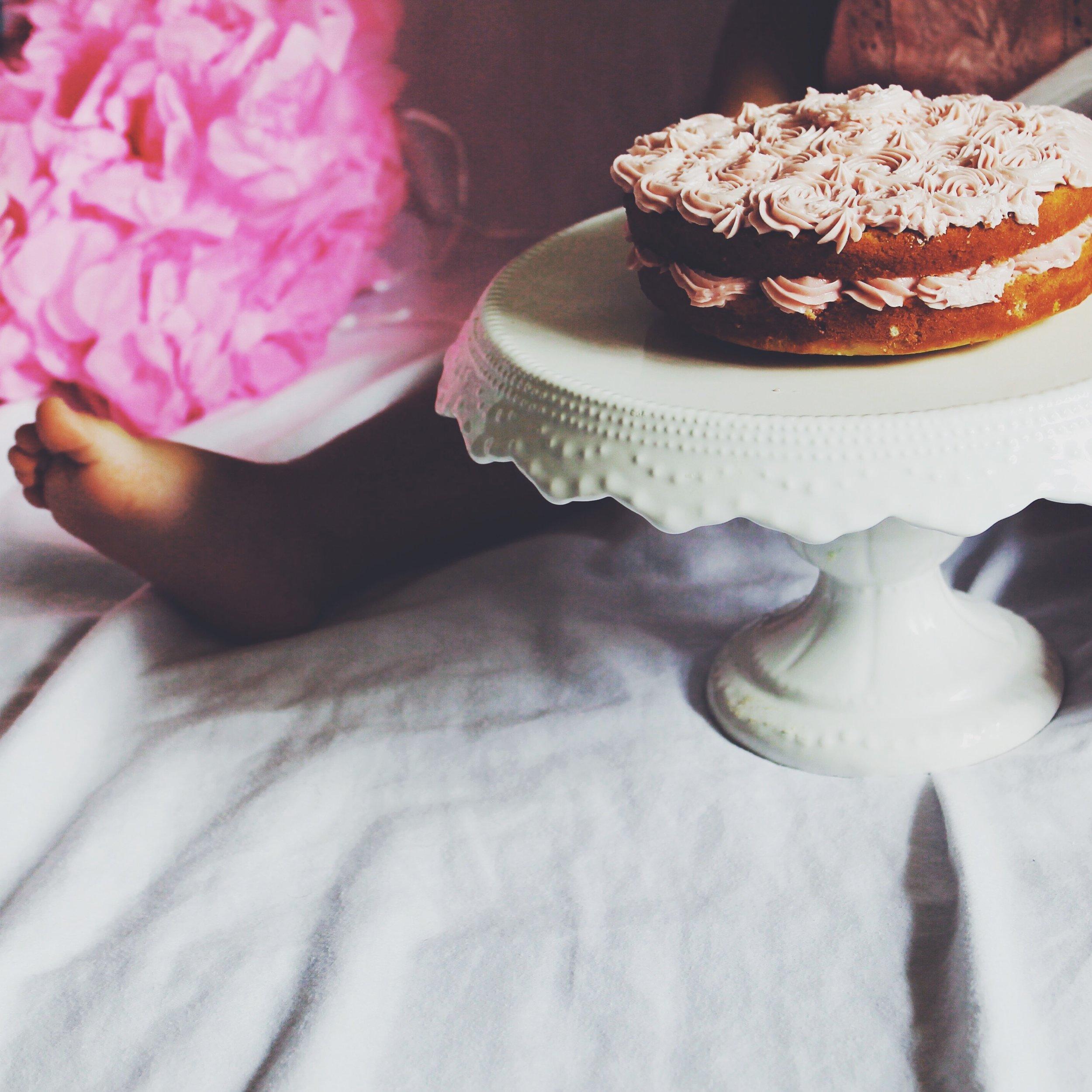 Naked Vanilla Rosette Cake
