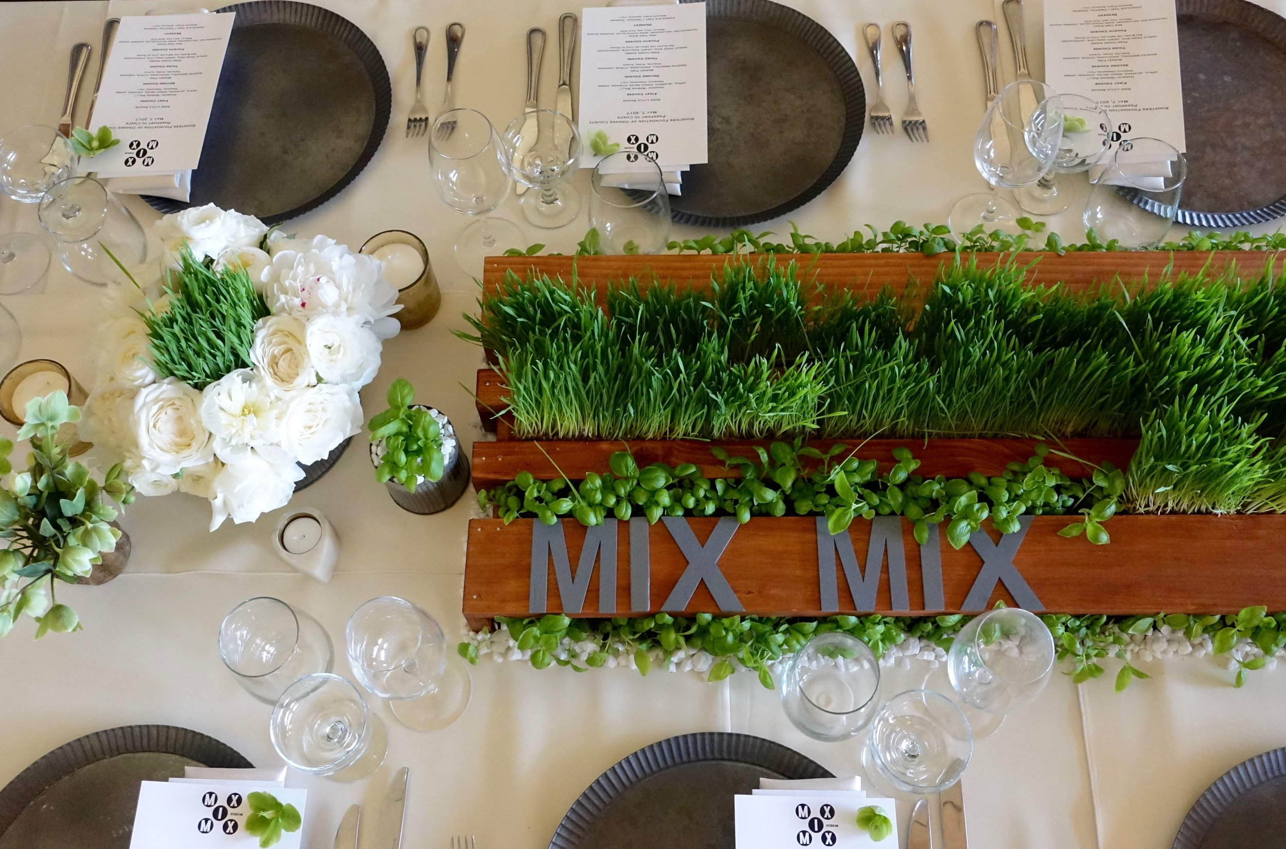 Orange-County-California-Modern-Minimalist-Tablescape-Mix-Mix-Kitchen-Bar-Wheat-Grass-Fence-Inspired.jpg