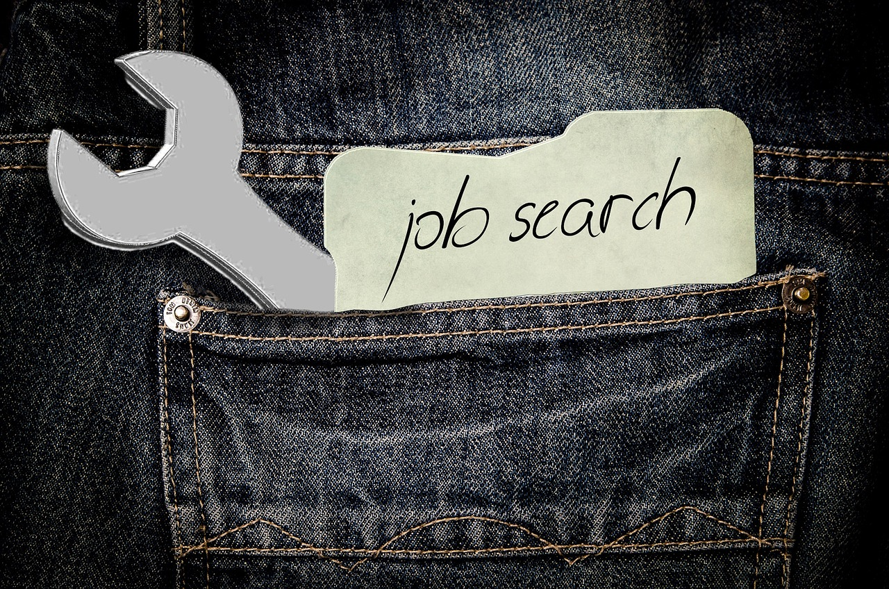 Should you job hunt before or after your move?