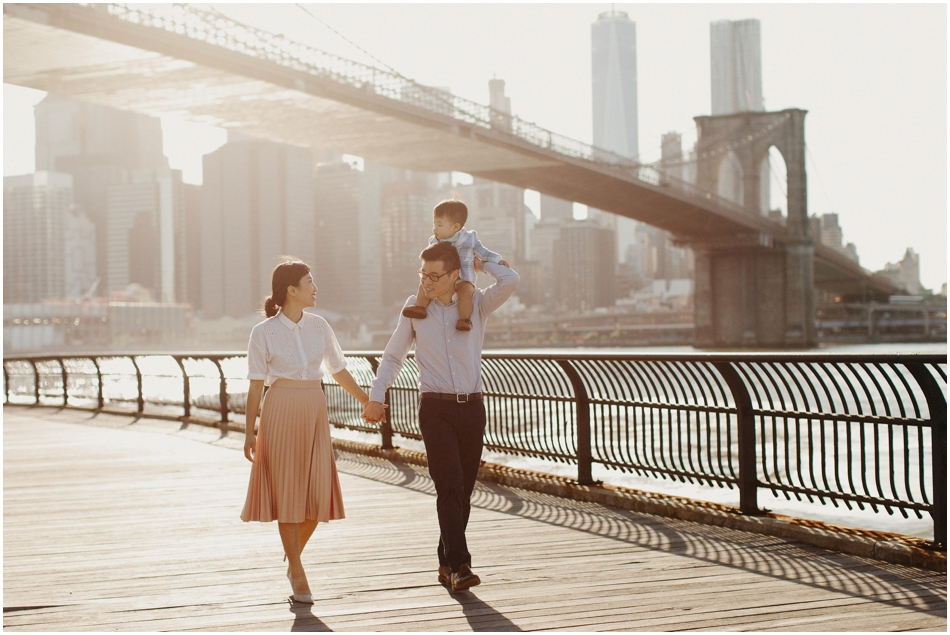Dumbo Brooklyn  Stylish  Korean Family Photography