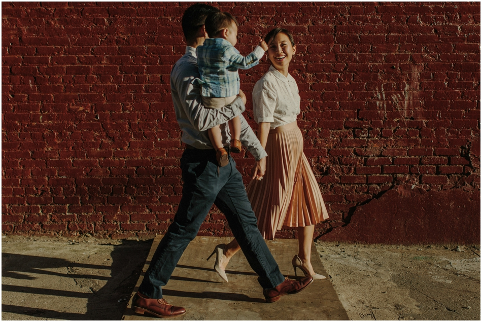 Dumbo   Brooklyn   Stylish   Korean Family Photography Motherhood Style