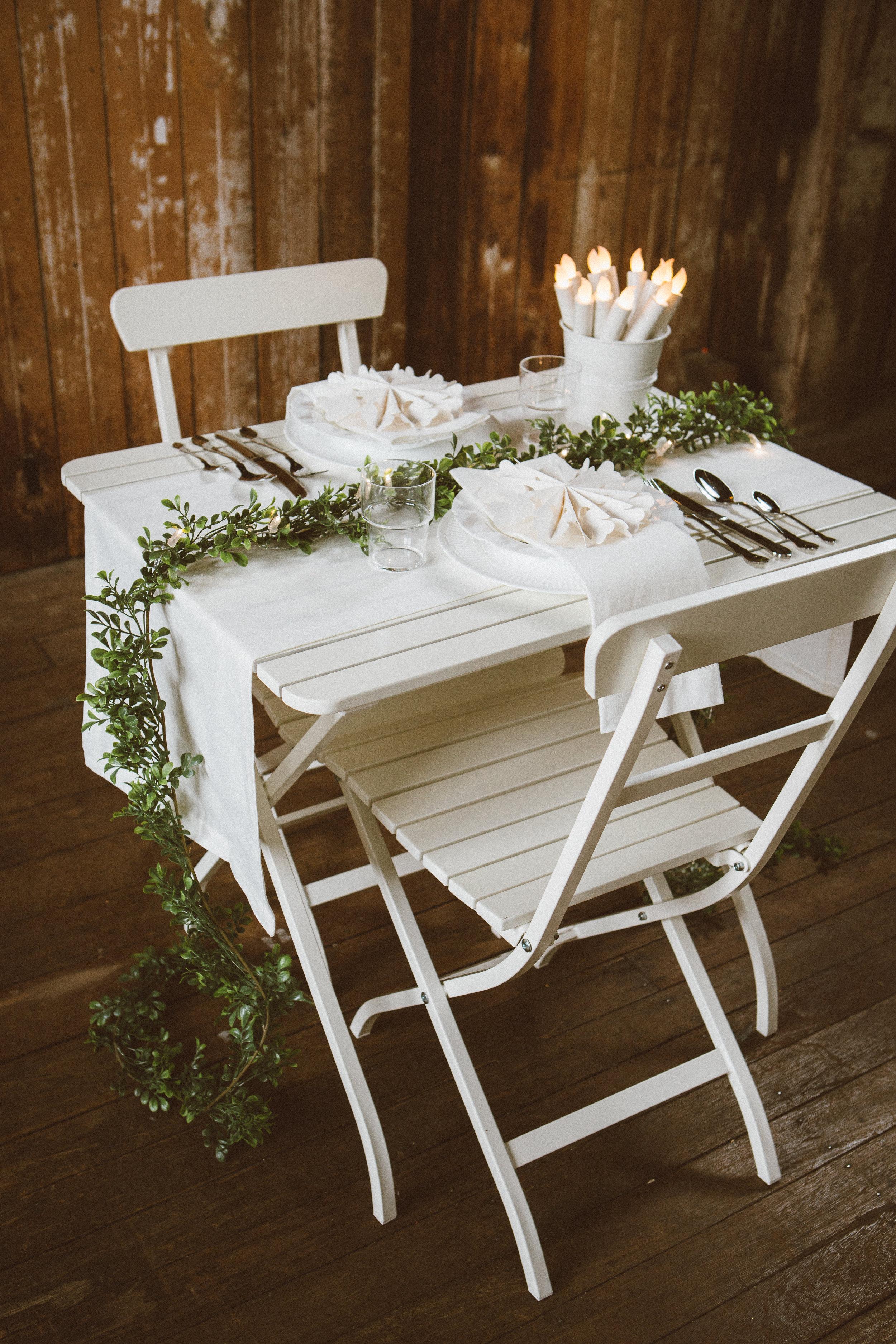 Table Setting 1_Wood&Garland_Edit1-18.jpg