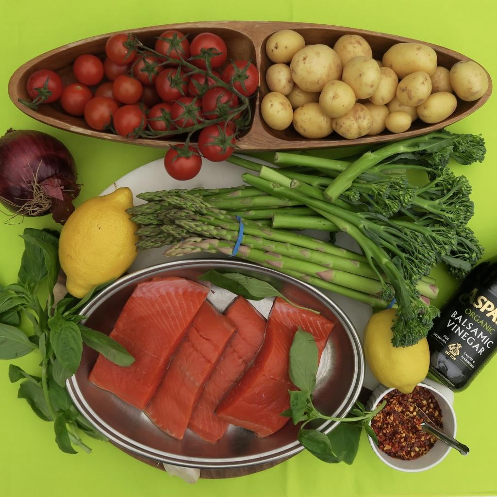 Salmon asparagas and broccoli spears.jpg