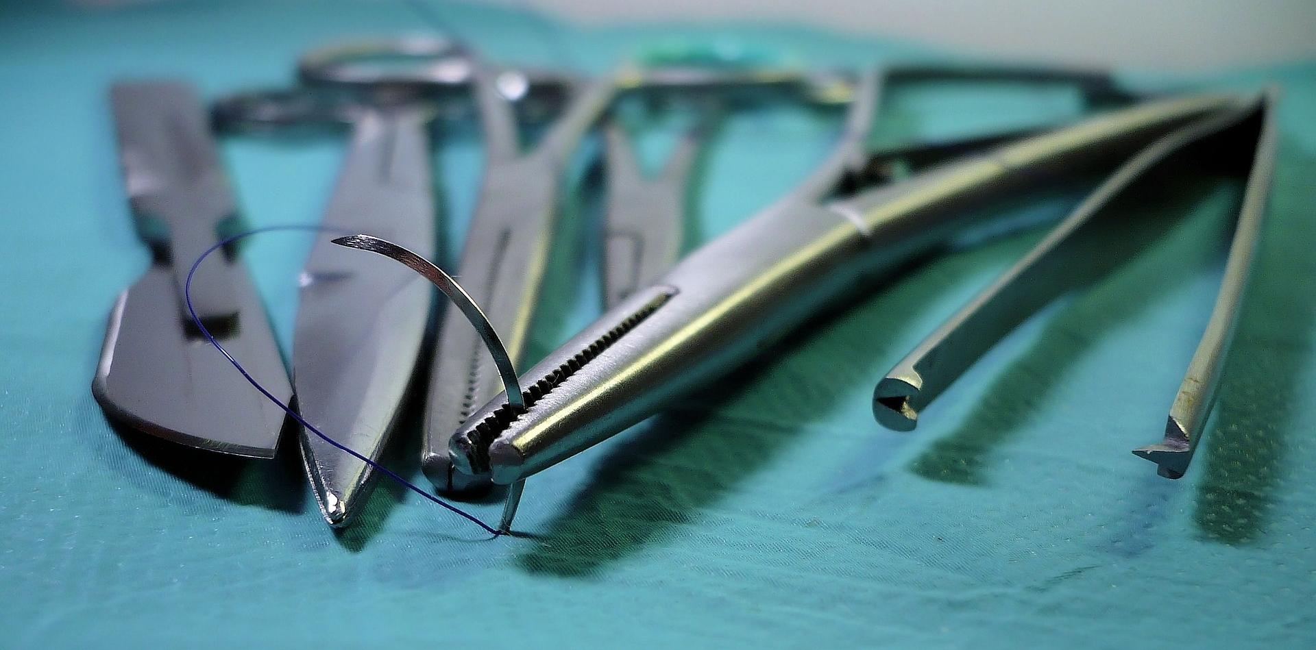 surgery-1662204_1920.jpg
