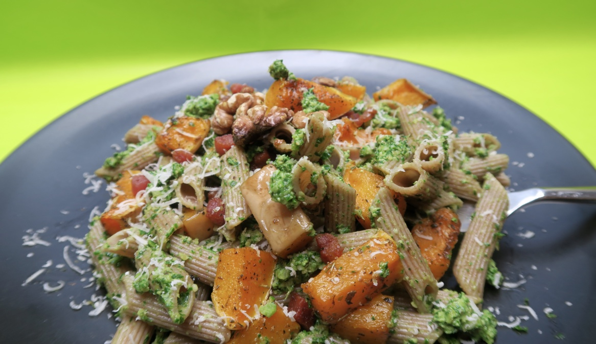 Kale and walnut pesto.jpg