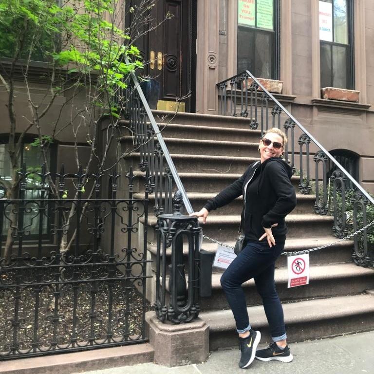 Lisa Barrett  feeling fabulous outside Carrie Bradshaw's Apartment – before jetlag!