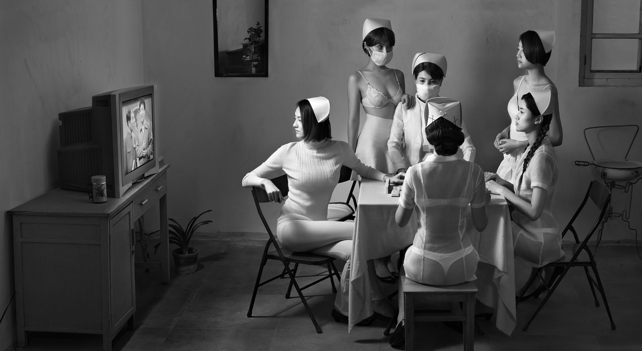 Chunwan (Chinese New Year, Spring Festival Gala) Series, Nurses Watching Television No.2