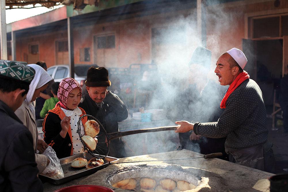 Adil Nadir (Uyghur) - Happiness is a Baked Samsa