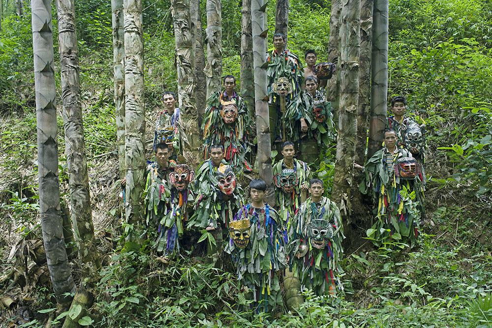 Luo Hengyu (Yi) - Mountain Gods and Dancers
