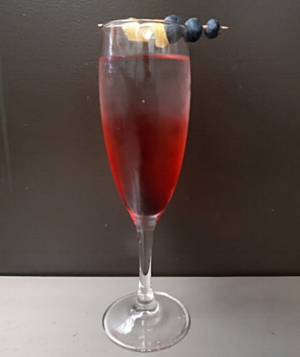 Cassis Royale   Using Mother's Ruin Cassis