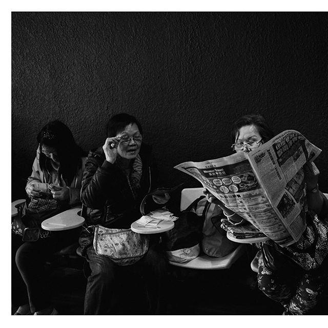 HONG KONG - A day at the races - © Elsa Seignol I Hans Lucas @studiohanslucas - #streetphotography #hongkong