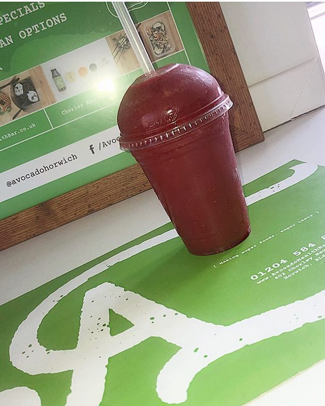 Need a pick up after Good Friday? Don't worry... we've got you covered! What will it be? •Berry Go-Round •Coco-Loco •Strawberry Split •Blueberry Thrill •Pash 'N' Shoot  Or simply make your own ☀️ #smootie #pickmeup #health #fruity