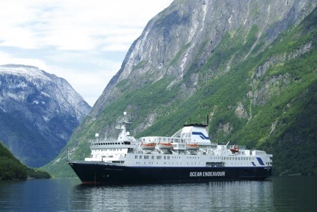 Cruise - Ocean Endeavour - Charter.jpg