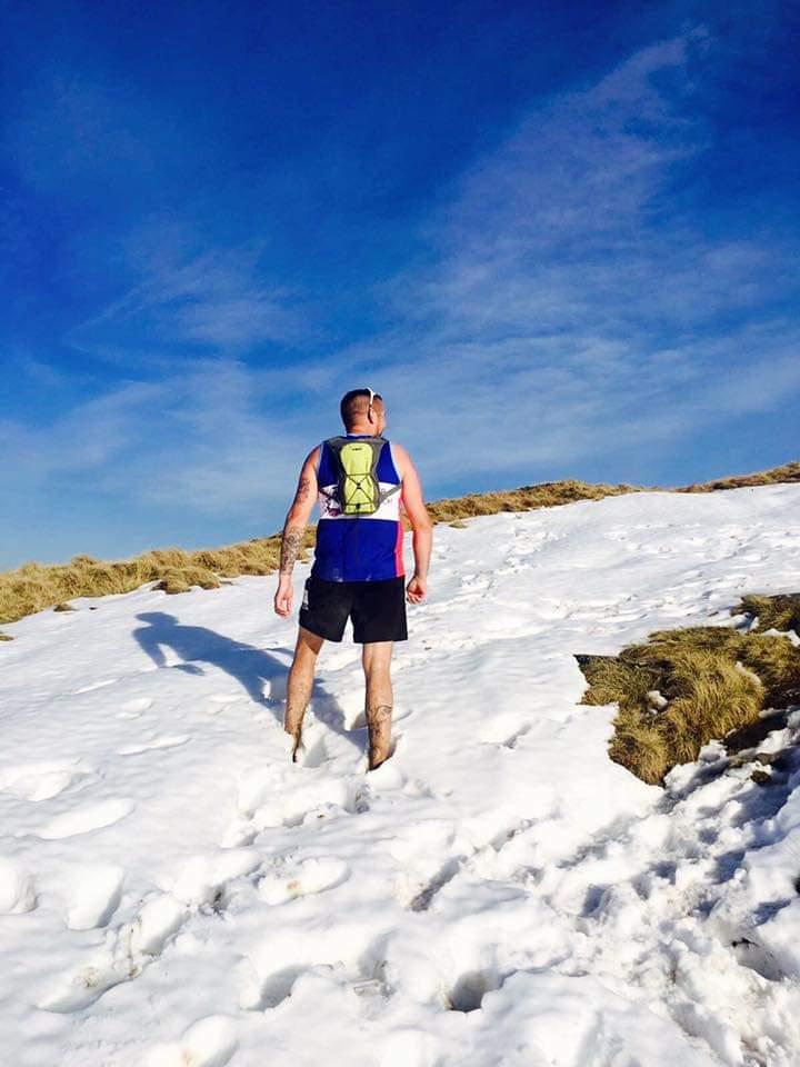 Chris amongst the snow at the Maverick Yorkshire Dales race, February 2017