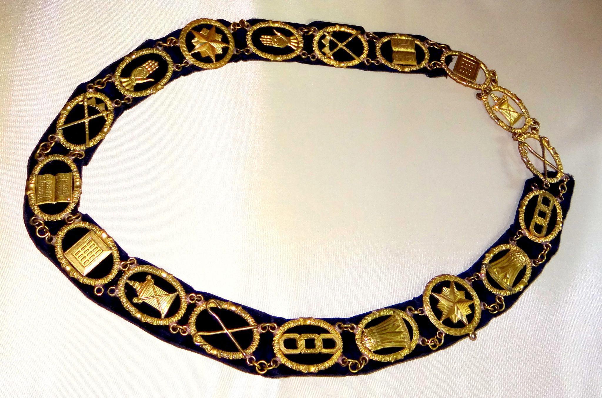 I.O.O.F. Independent Order of Odd Fellows Brass & Velvet Sash