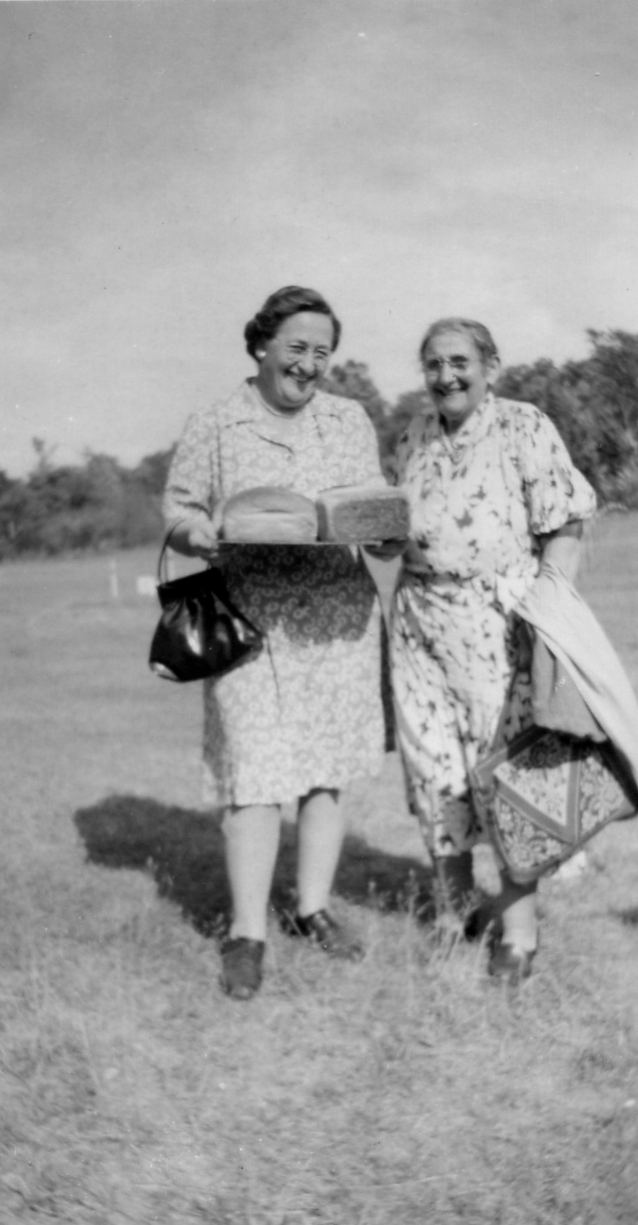 Alma Ratz Hanley and Martha Zenner Muenzel