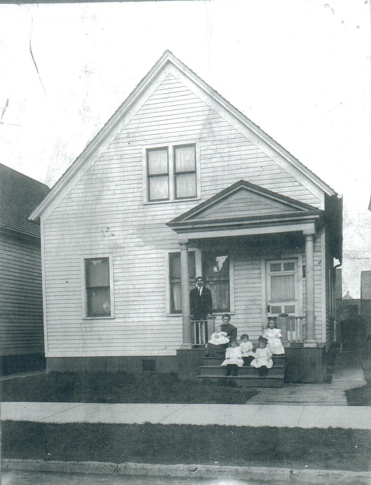 Pawlowski Family on Dubois St. in Detroit, MI - around 1910-1915