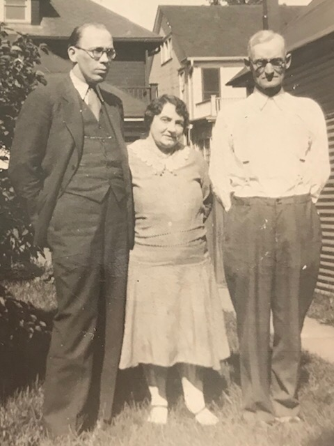 James Earle (right) possibly with second wife, Minnie and unidentified man