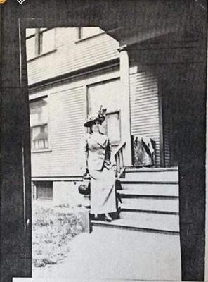 Nellie Tucker Earle - 1911