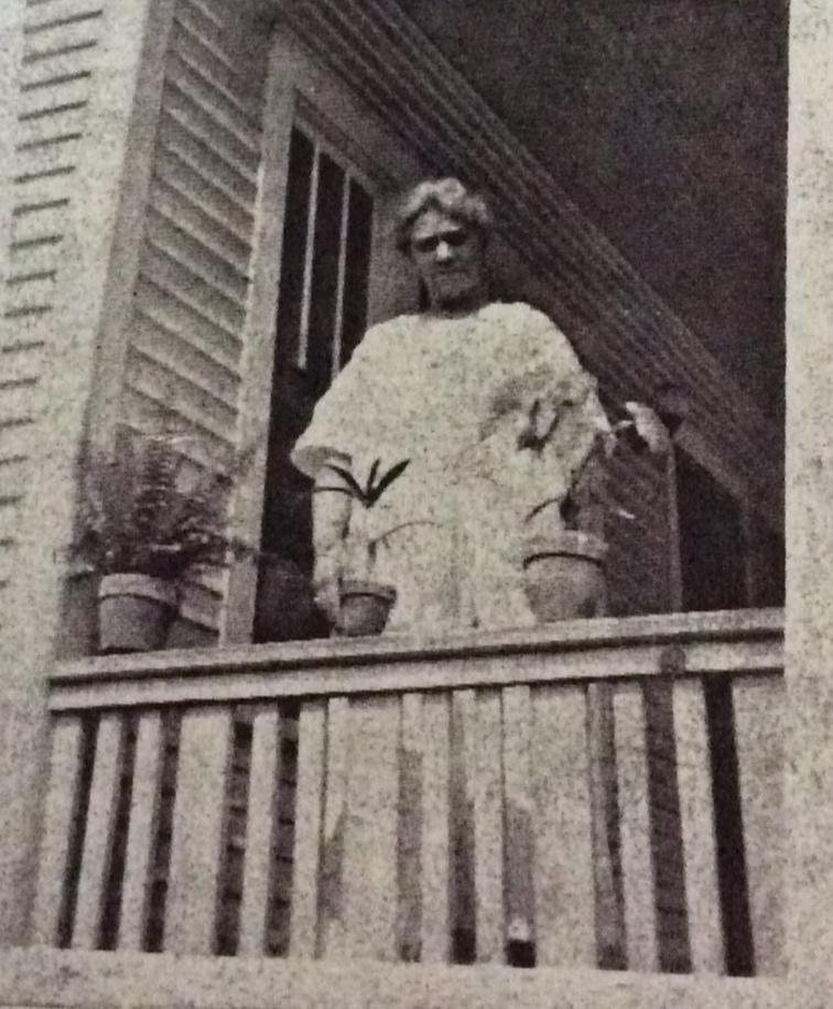 Nellie Tucker Earle - 1918