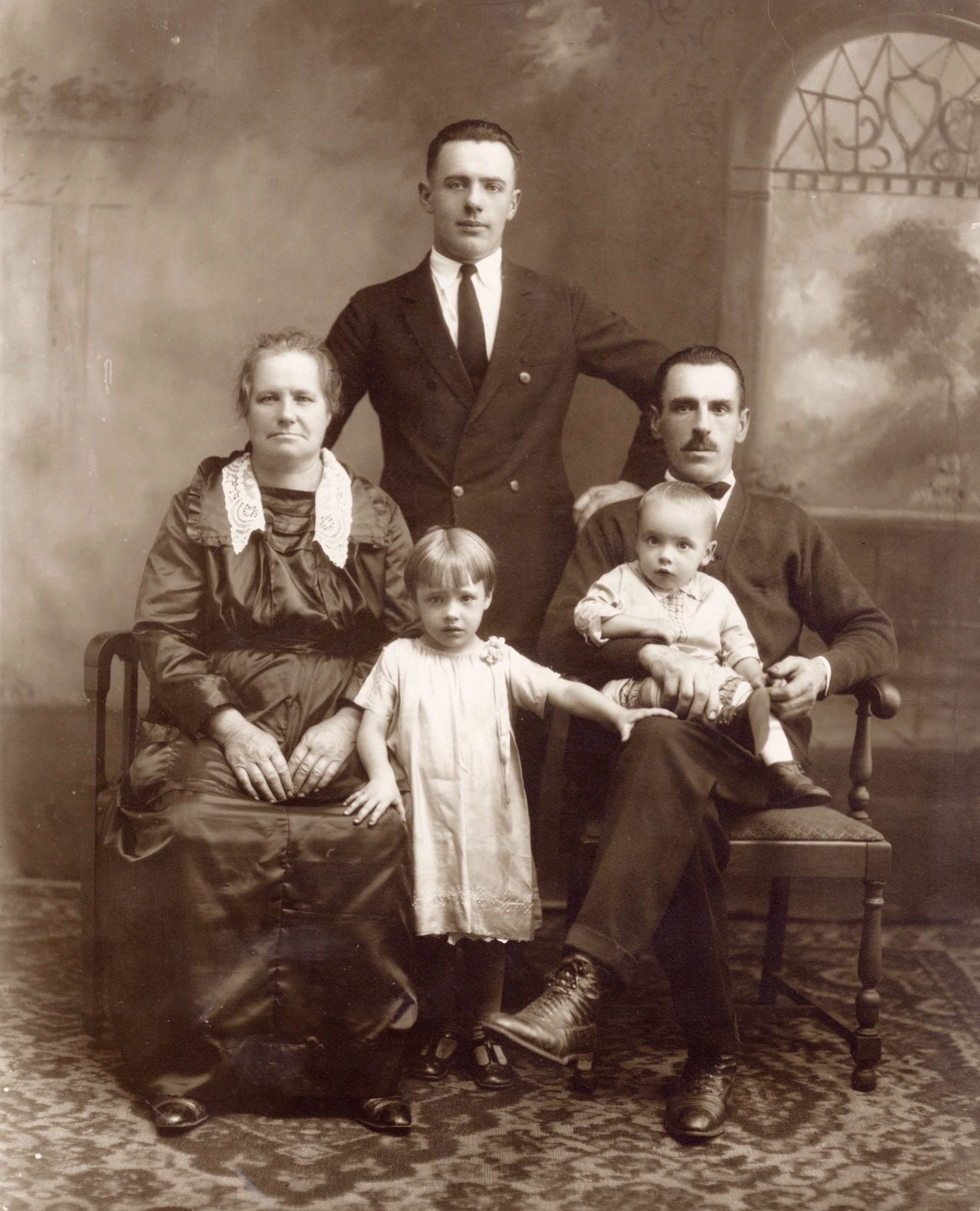 Unknown Family from Johnstown, PA