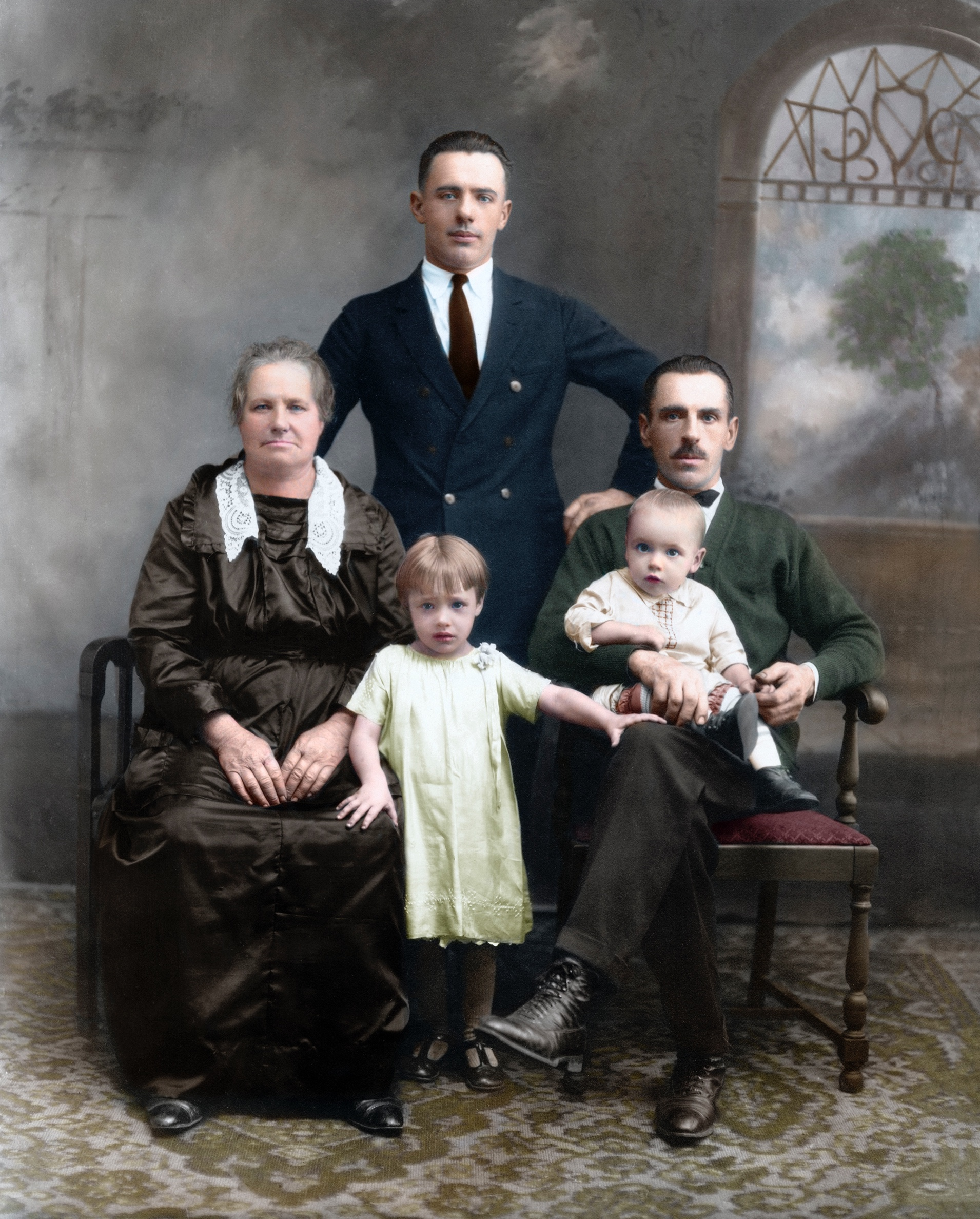 Unknown family from Windmer PAred-colorized.jpg