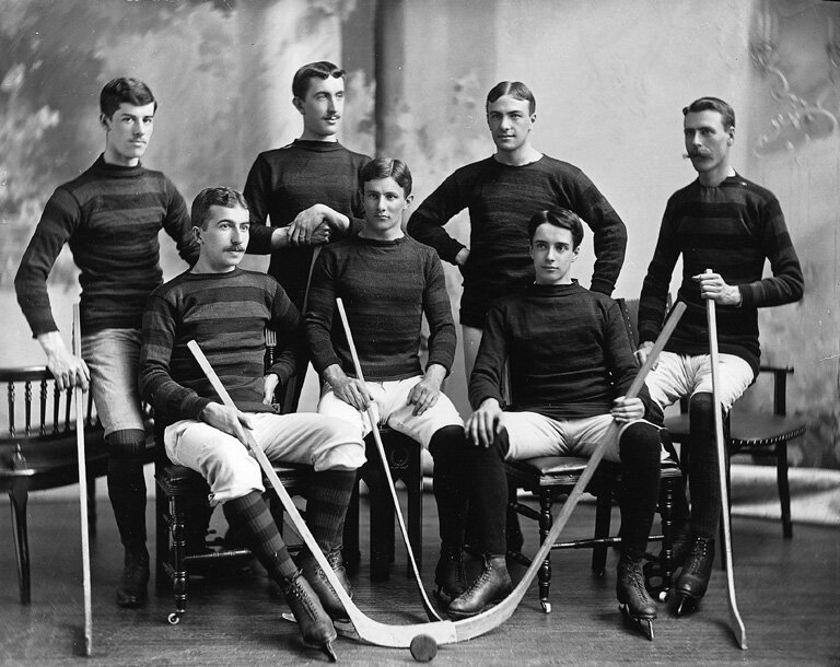 Montreal hockey team 1895.jpg