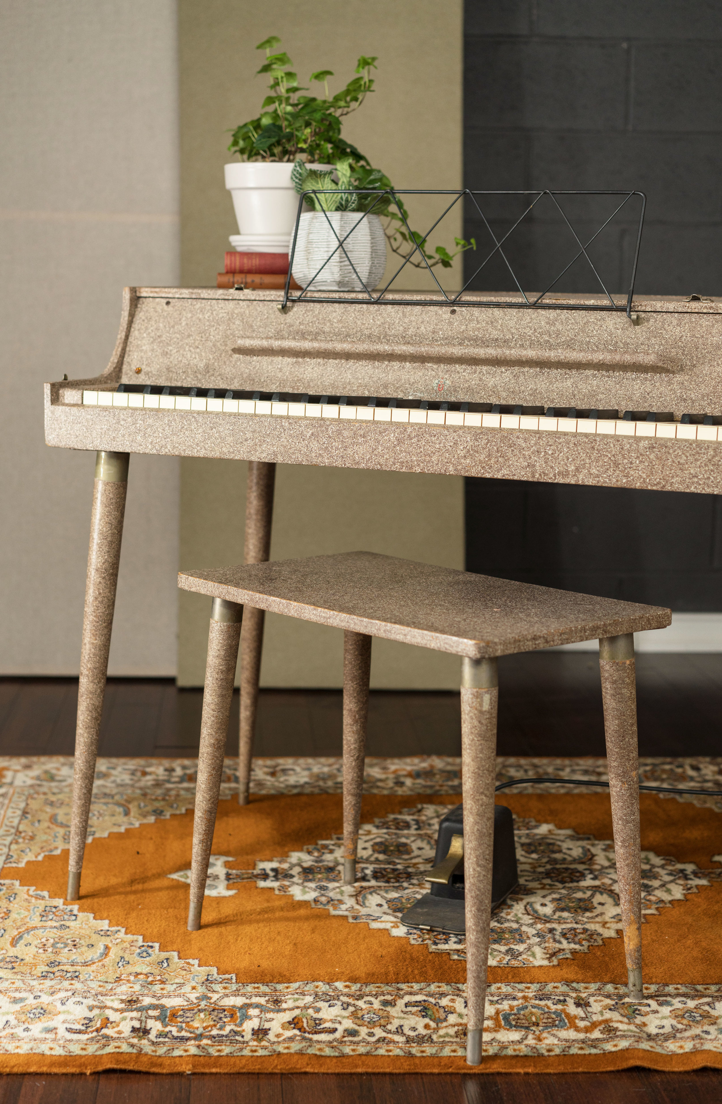Wurlitzer-112-bench