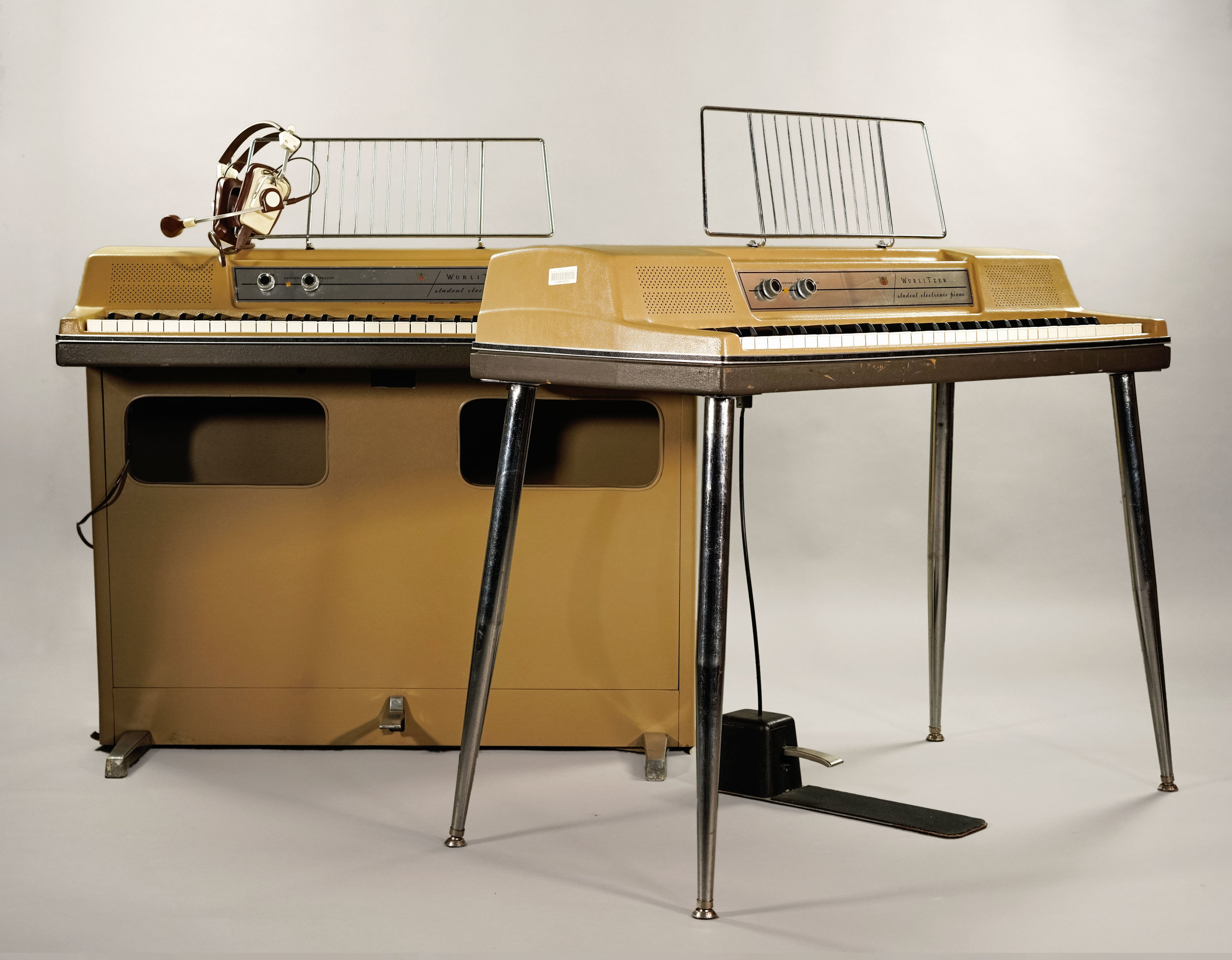 The Wurlitzer 206-to-200 conversion listed here, shown with a  Wurlitzer 206 console  from the same batch.