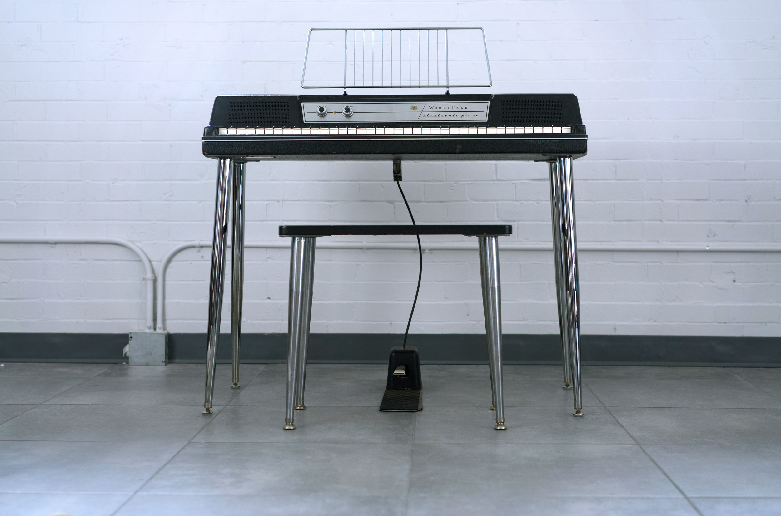 Wurlitzer 200 with Pedal and Bench