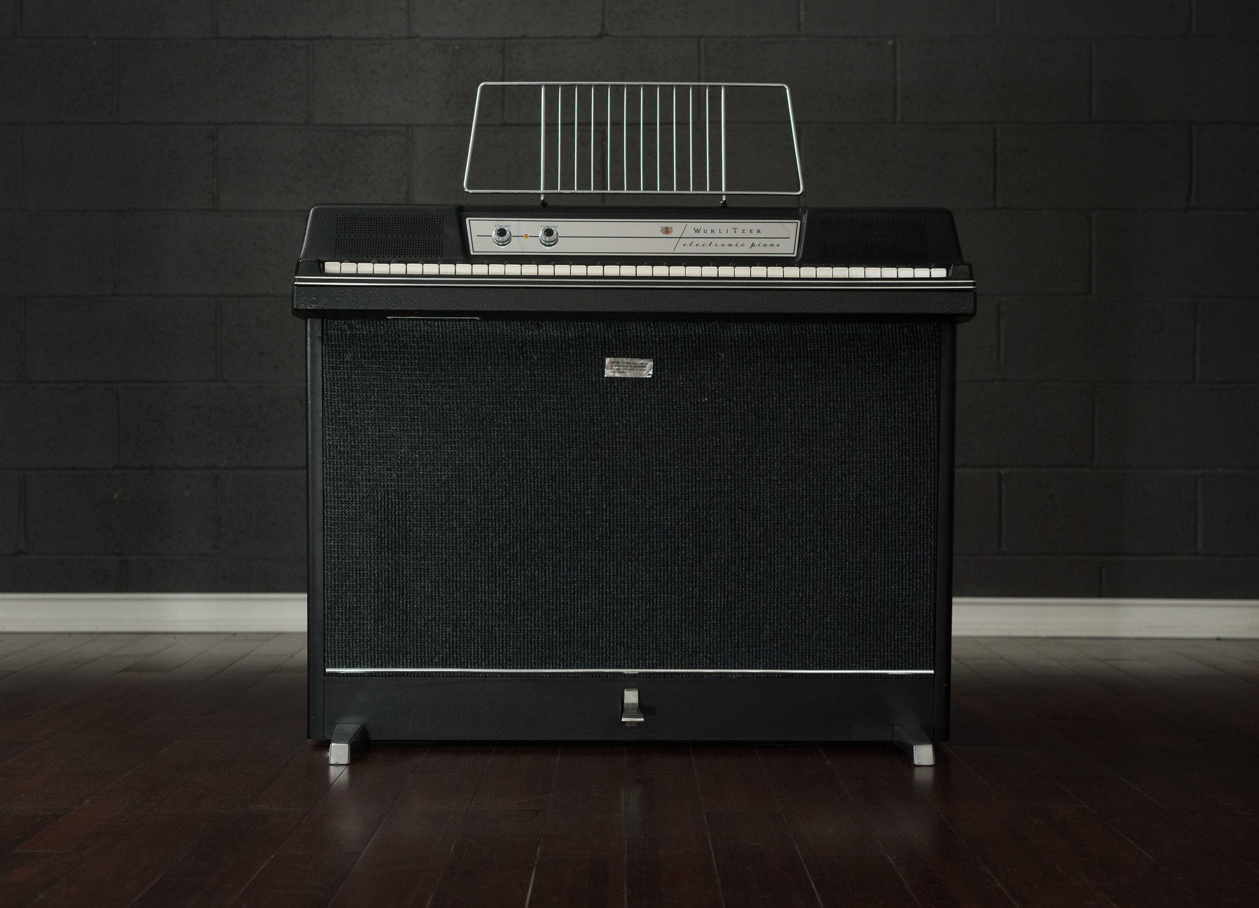 wurlitzer-203-electronic-piano.jpg
