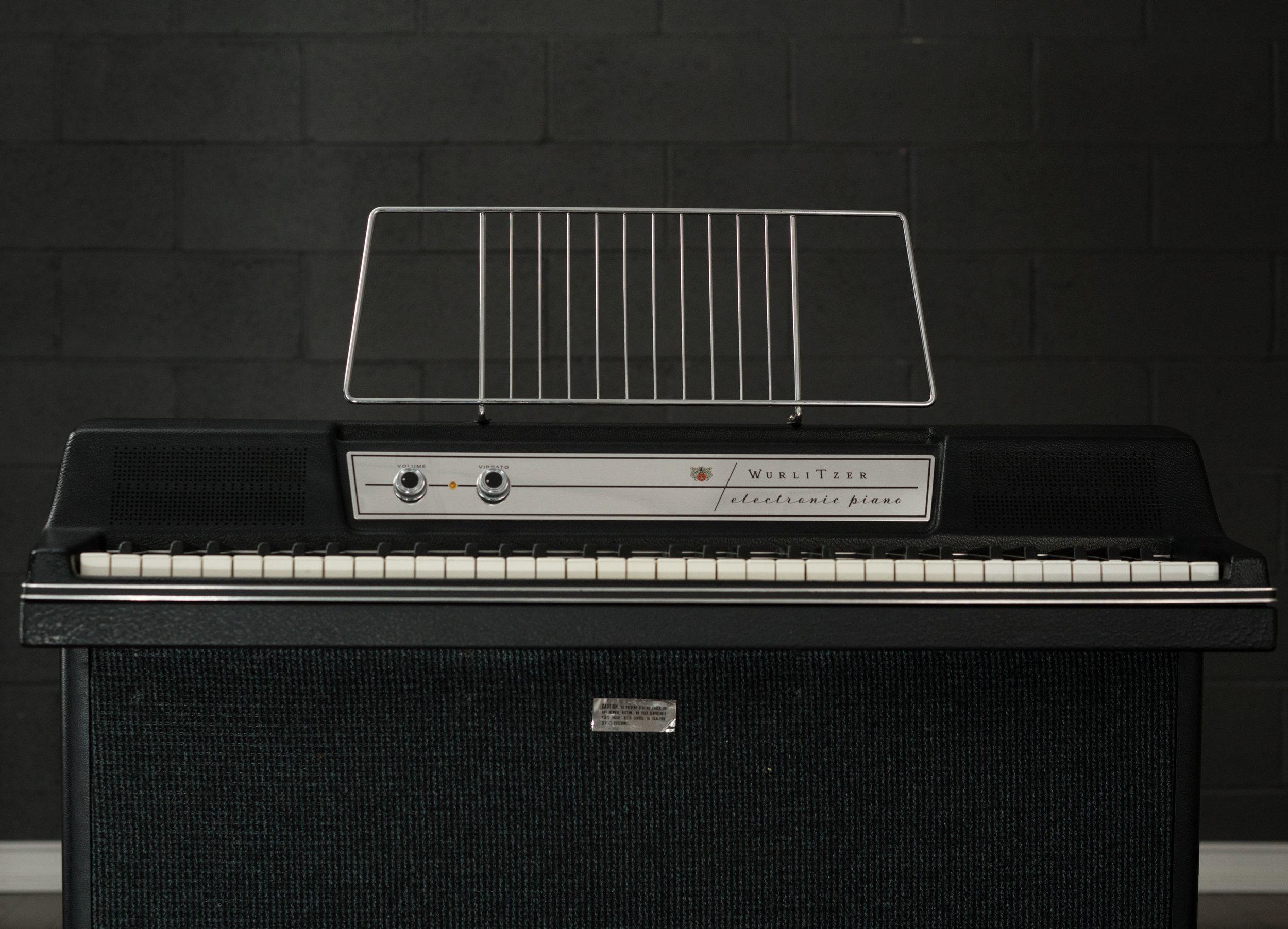 Wurlitzer 203 music rack