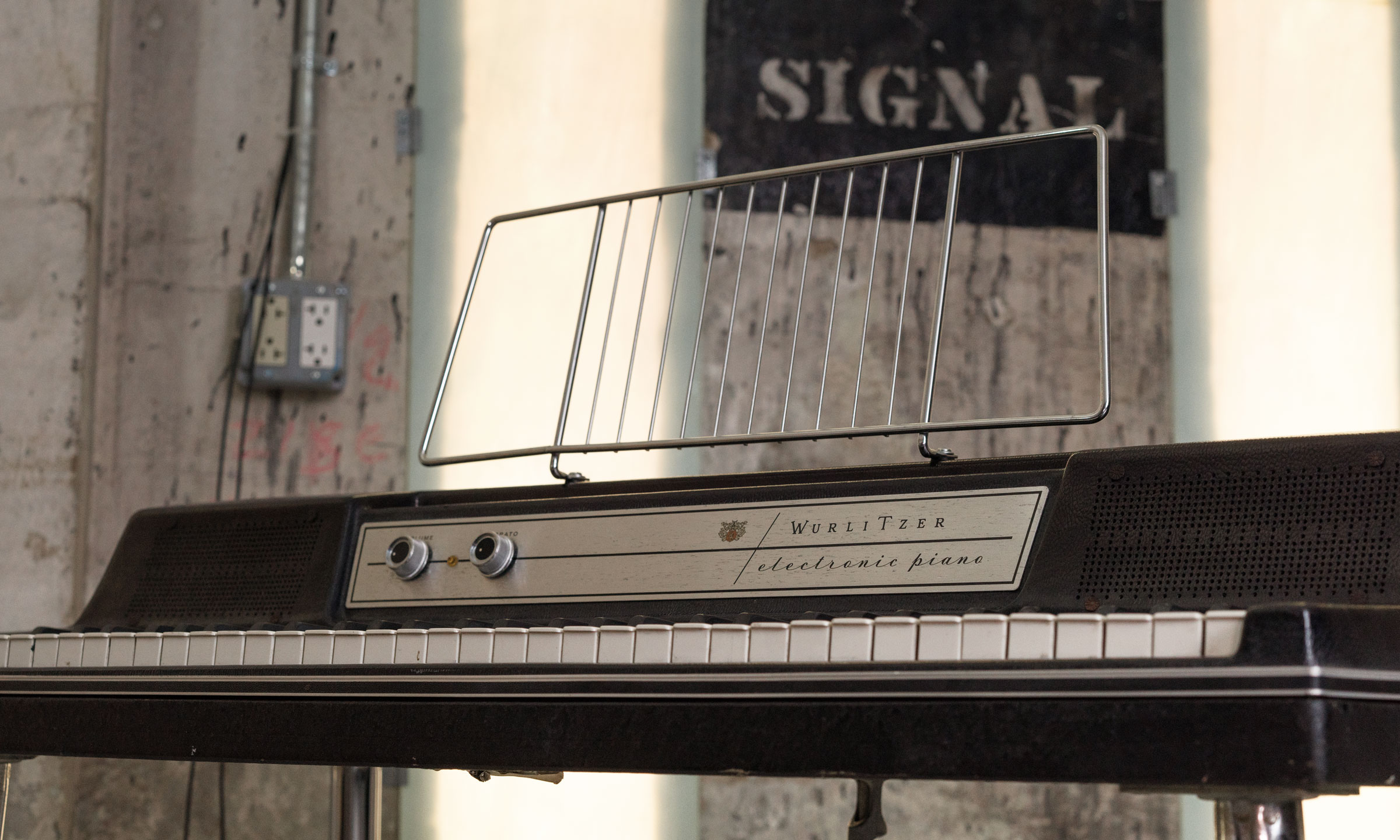 An example of a Wurlitzer 200a.
