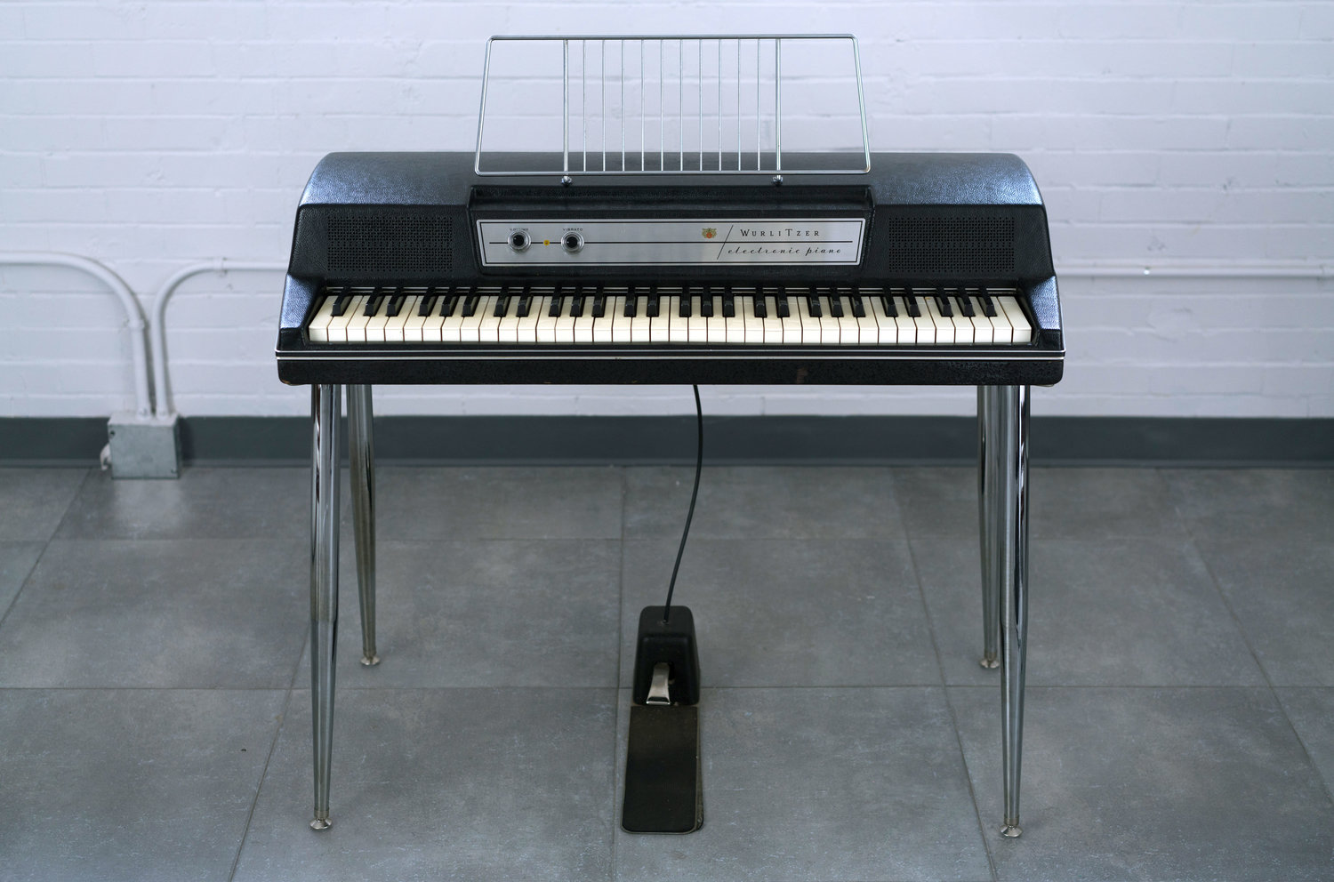 Differences Between the Wurlitzer 200 and 200a