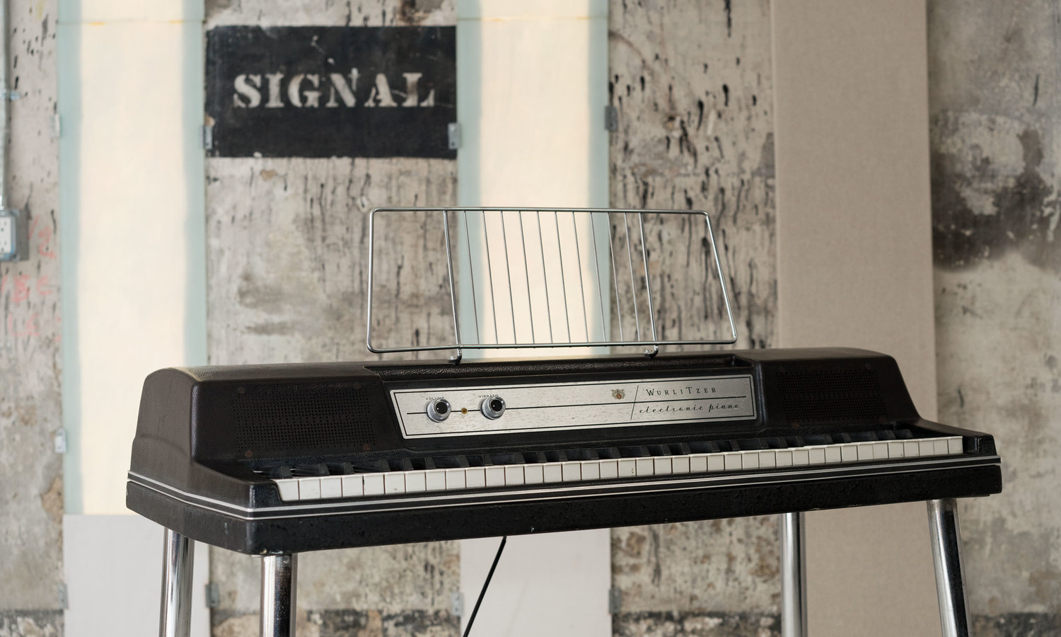 From the Archives: Wurlitzer 200a
