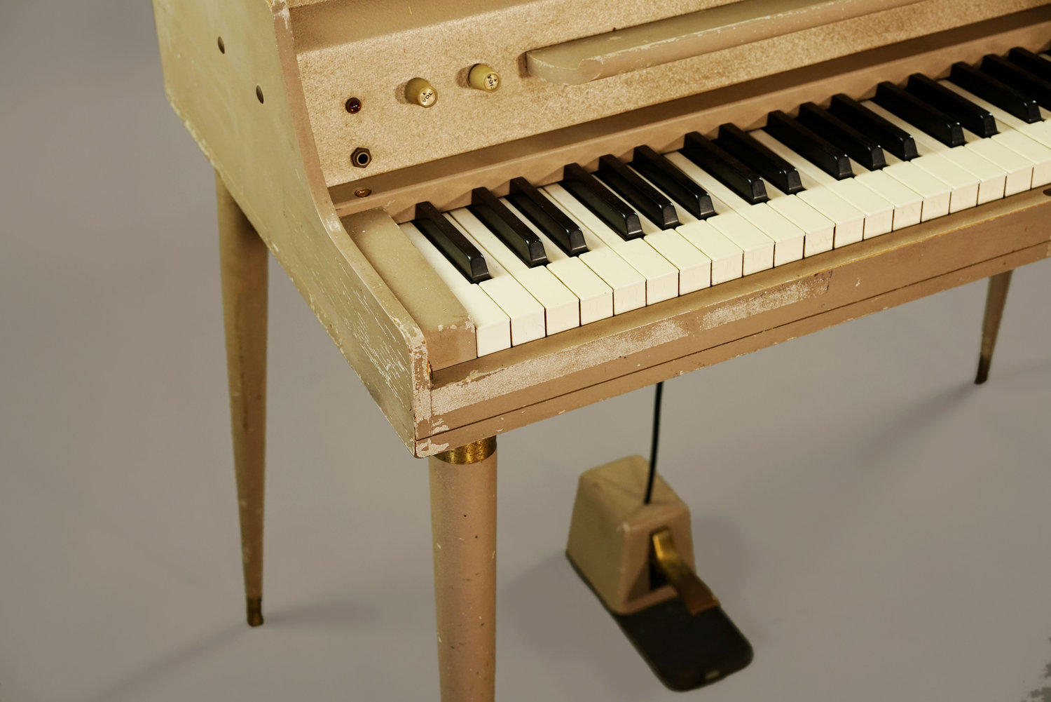 A Short Guide to Wurlitzer Electronic Piano Sustain Problems