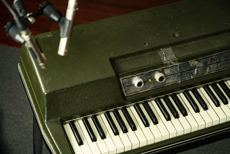 Techniques for Recording a Wurlitzer Electronic Piano